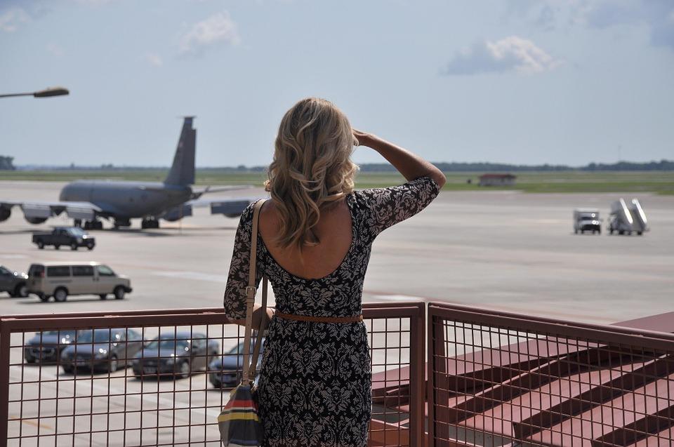 Choisir une tenue pratique pour un voyage en avion