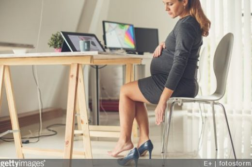 grossesse-conseils-femme-enceinte-quelles-chaussures-choisir