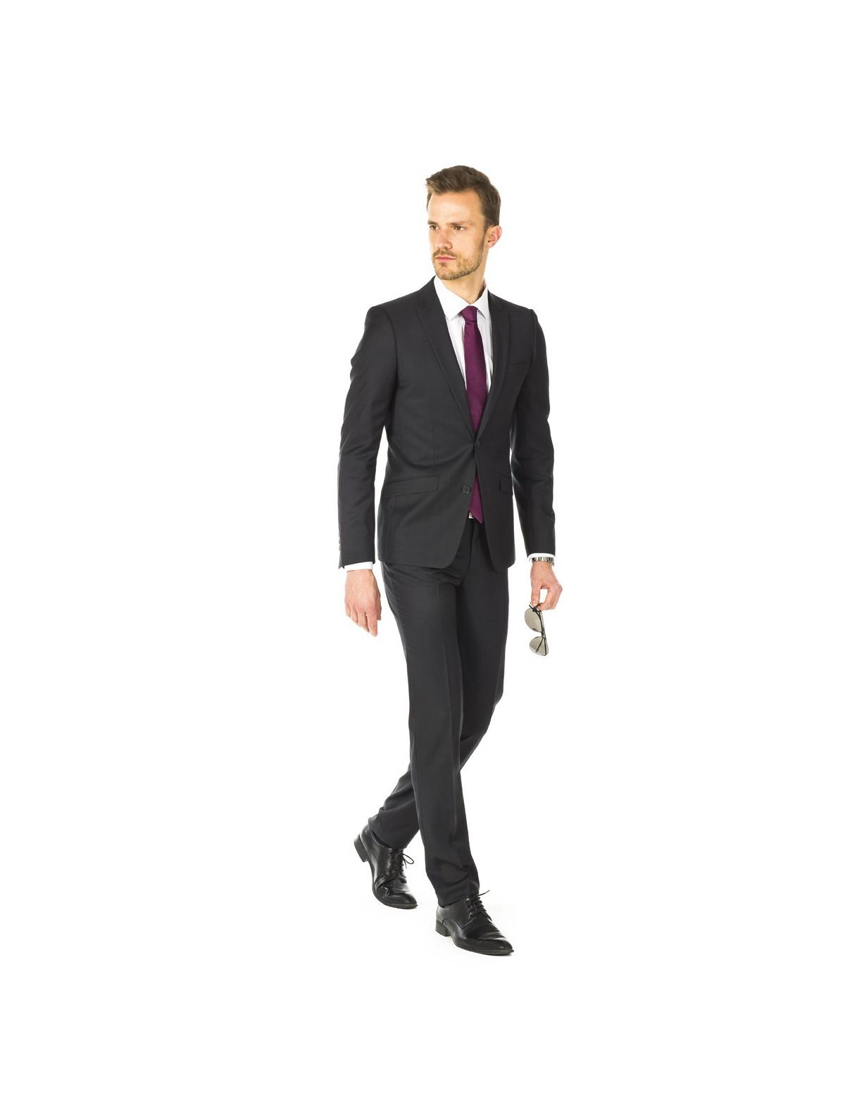 meilleure qualité utilisation durable regarder Quelle couleur de cravate avec son costume homme ?
